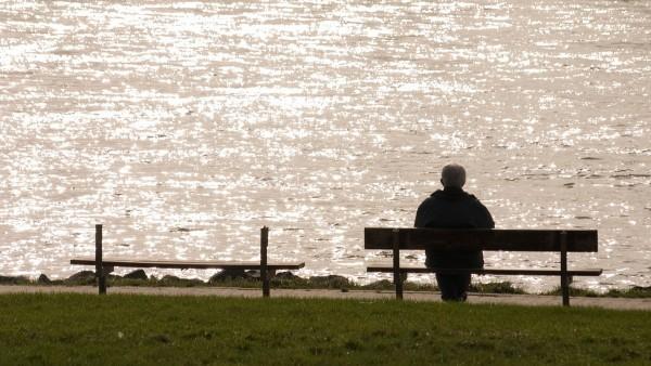 Un anciano en soledad