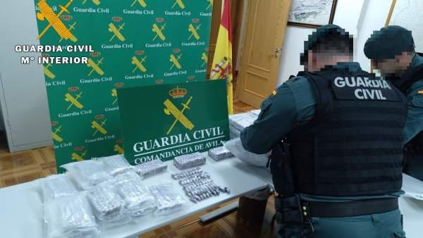 Sucesos.- Dos detenidos en Ávila tras la incautación de cerca de 40 kilos de hachís en 'bellotas' dentro de su coche