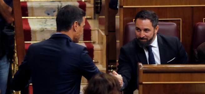 Sánchez saluda a Abascal
