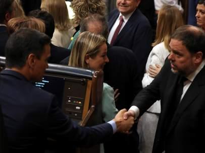 Sánchez saluda a Junqueras
