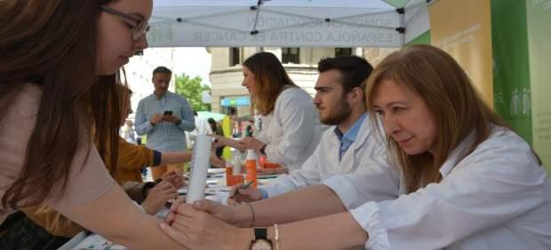 La campaña de prevención de cáncer de piel incluye mediciones individuales de niveles de melanina