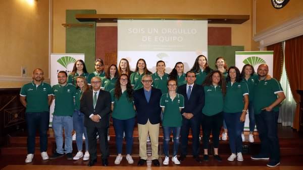 Málaga.- Unicaja.- Medel felicita al Unicaja femenino de baloncesto por su ascenso: 'Ha sido un triunfo muy sacrificado'