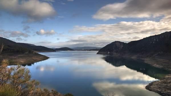 Agua.- Entrepeñas y Buendía suben 10,26 hectómetros y se quedan con 678,99, el 26,96% de su capacidad