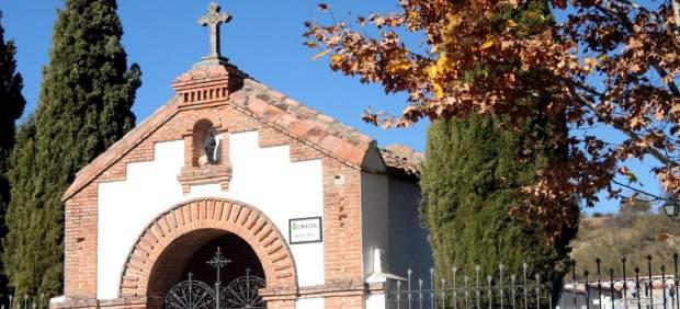 Sucesos.- Roban más de sesenta crucifijos de lápidas del cementerio de Cabanillas