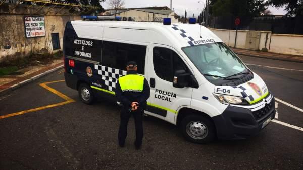 AMP.- La mujer apuñalada por su expareja en Granada, usuaria de una casa de acogida, está grave en la UCI