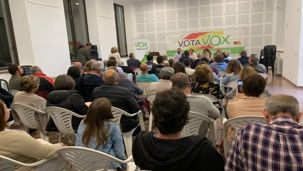 Vox organiza en Ses Salines una tertulia con candidatos para hablar de turismo, la inmigración y las políticas europeas