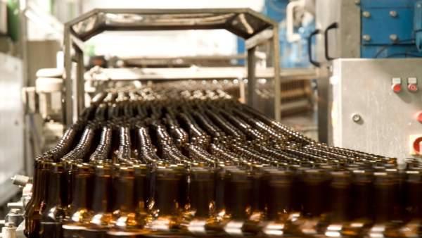 La industria canaria arranca el año con resultados positivos y tiende hacia la moderación