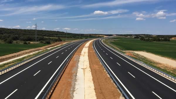 Fomento prevé poner en servicio el viernes el tramo La Mallona-Venta Nueva de la Autovía del Duero, A-11