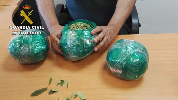 Almería.-Sucesos.-La Guardia Civil interviene en el aeropuerto más de tres kilos de hojas de coca
