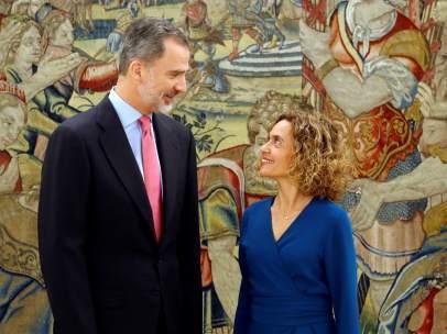El rey Felipe VI con la presidenta del Congreso, Meritxell Batet