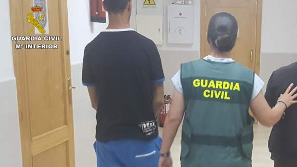 Almería.-Sucesos.- Detenidos un joven y un menor como presuntos autores de dos robos en viviendas de Palomares
