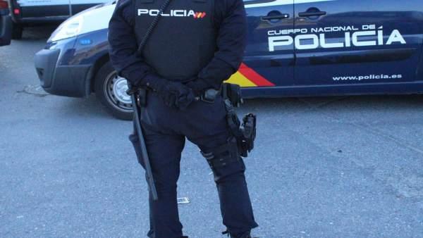 Almería.-Sucesos.-Detenido un hombre acusado de sustraer cuatro videoconsolas del expositor de un establecimiento