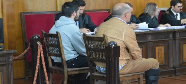 AMP.- El jurado declara culpables a los dos acusados del crimen de 'A Esmorga' de un delito de asesinato con alevosía