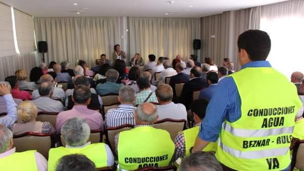 Granada.- El Gobierno se compromete con empresarios de la costa a agilizar la ejecución de las canalizaciones de Rules