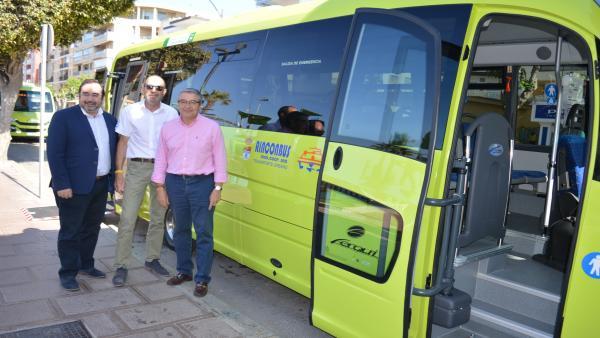 Málaga.- Rincón pone en marcha la línea de transporte Público que recorrerá urbanizaciones de Añoreta y Parque Victoria