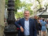 El candidato del PSC a la alcaldía de Barcelona, Jaume Collboni, retratado en Las Ramblas de Barcelona.