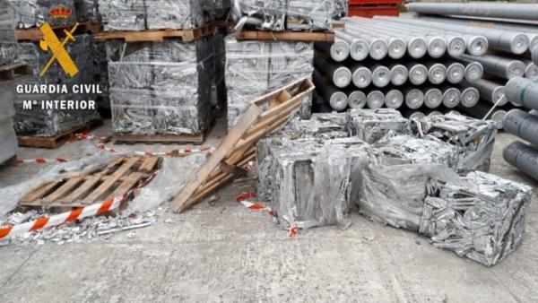 Sucesos.- Tres detenidos por robar en empresas aluminio valorado en más de 25.000 euros