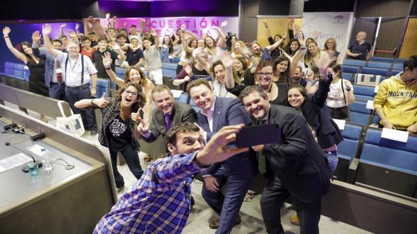 Sevilla.- Bayer impulsa 'Cuestión de ciencia', una iniciativa para que adolescentes divulguen ciencia con monólogos