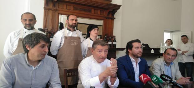 Cádiz.- Joan Roca cocina en Universo Santi, para el que pide más apoyo de las administraciones