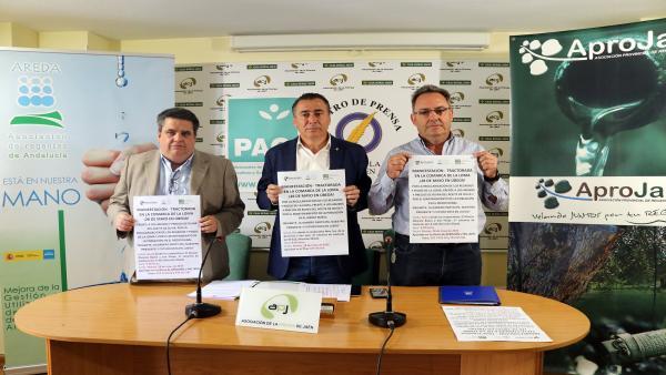 Jaén.- Agricultores y regantes prevén reunir un millar de tractores en Úbeda para pedir solución al precio del aceite