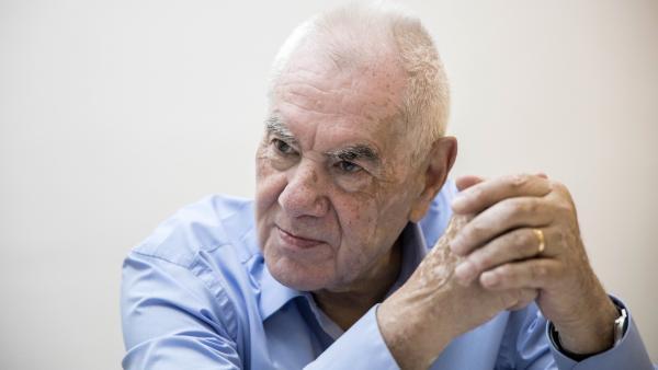 El candidato de ERC a la Alcaldía de Barcelona, Ernest Maragall, en un momento de la entrevista a 20minutos.