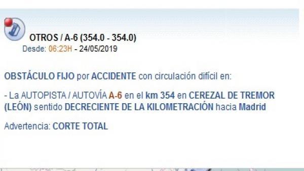 Sucesos.- Dos heridos al chocar un camión con pinturas y disolventes y dos turismos en la A-6 en Villagatón (León)