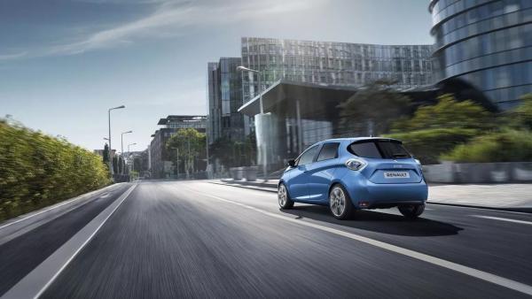 La venta de coches eléctricos aumenta un 71% en Europa.