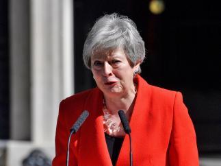 May anuncia su dimisión
