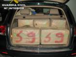 Sevilla.-Sucesos.-Detenido el conductor de un vehículo con 450 kilos de hachís que había huido de un control en Utrera