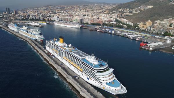 Canarias recibe más de un millón de cruceristas en el primer trimestre y 89 cruceros menos