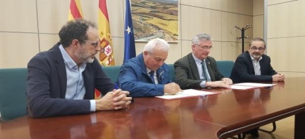El Gobierno de Aragón y la Comunidad de Regantes de Sarrión firman el convenio para la creación del regadío social
