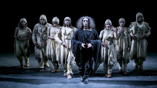 Atalaya pone en escena Marat Sade en el Palacio de Festivales