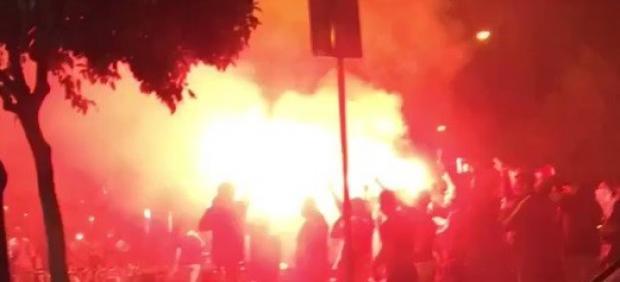 23 radicales del Barça detenidos y cinco policías heridos en la previa de la final de Copa en ...