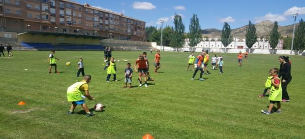 El Ayuntamiento de Utrillas destina más de 270.000 euros a la renovación del campo de fútbol 'La Vega'