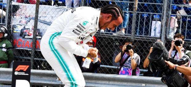 Hamilton logra su pole más sufrida y la enésima pifia de Ferrari destroza a Leclerc