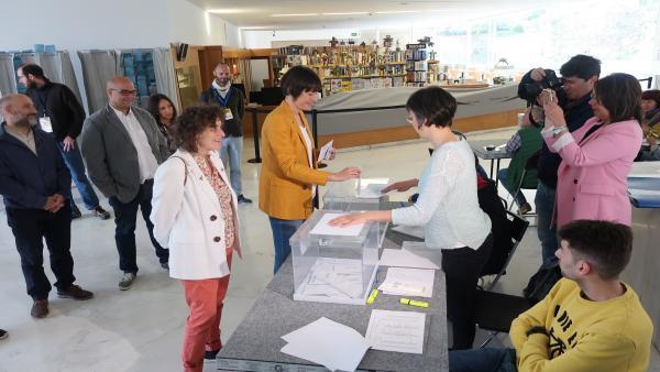 Pontón Anima Aos Galegos E Galegas A Encher De Votos As Urnas Para Decidir Os Fu