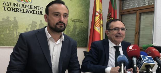 Cruz Viadero y López Estrada en rueda de prensa