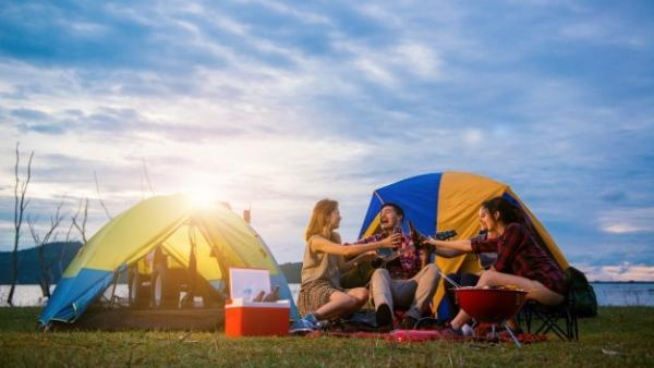 ¿Se puede hacer camping sin morir en el intento? Sí, si sabes cómo