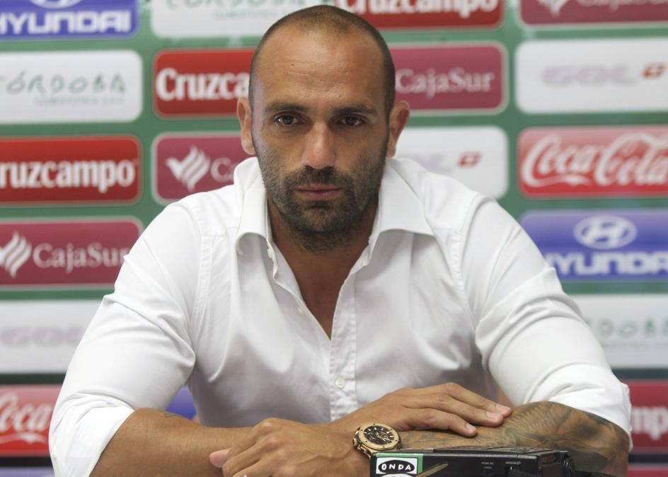 Raúl Bravo. El exjugador del Real Madrid, Raúl Bravo, supuesto cabecilla de la organización criminal que se dedicaba a amañar partidos de fútbol en Primera y Segunda división.