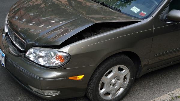 ¿Quién paga los daños del coche en un accidente si nadie tiene la culpa?