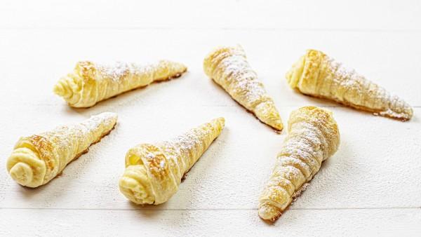 Conos de crema pastelera