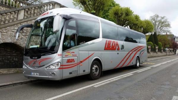 Los trabajadores de Leda incumplen los servicios mínimos y dejan sin transporte escolar a unos 600 alumnos