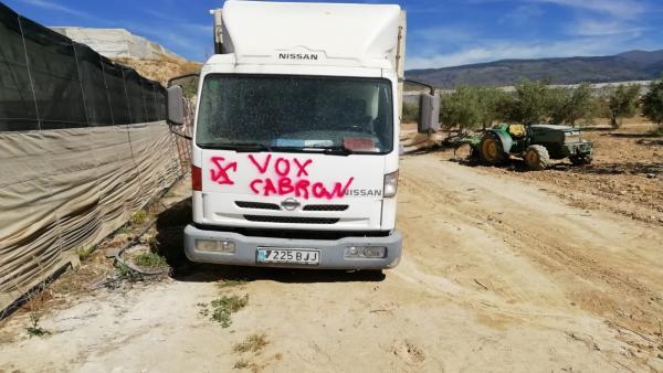 Granada.- 26M.- Vox denuncia actos vandálicos contra el camión de un candidato en Ugíjar, en la Alpujarra