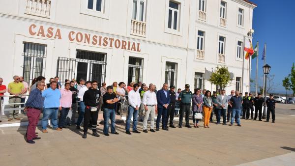 Cádiz.- Minutos de silencio en Algeciras y San Roque por el guardia civil muerto en acto de servicio en Los Barrios