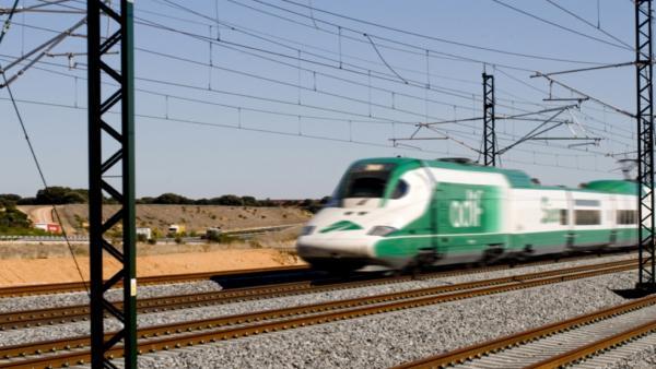 Adif comprará un tren con cambio de ancho para supervisar las vías por 47 millones