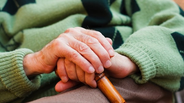 CValenciana.- Arranca un proyecto para potenciar la memoria olfativa en enfermos de Alzheimer a través del arte