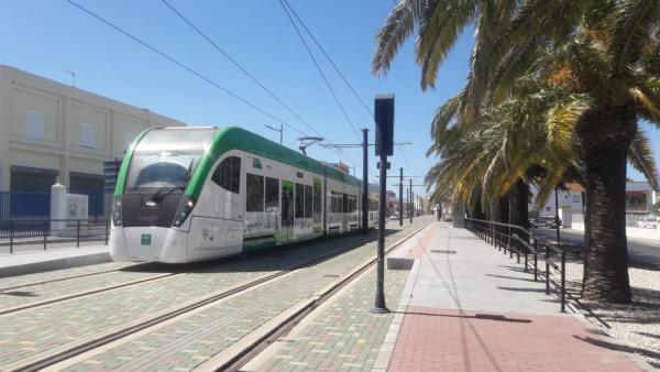 Cádiz.- El tranvía de la Bahía de Cádiz retoma las pruebas desde Chiclana a San Fernando