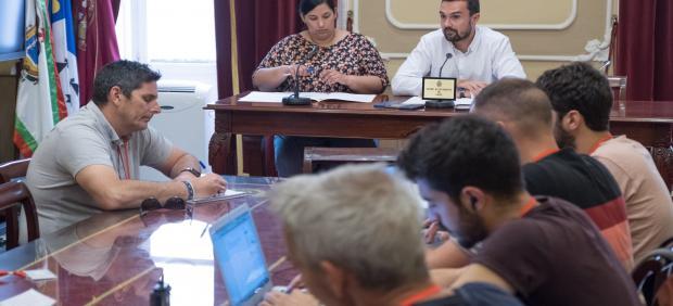 Cádiz.- Junta de Gobierno local aprueba encender focos del Paseo Marítimo para desarrollar pruebas y eventos deportivos