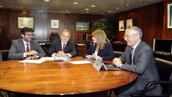 Huelva.- Puertos.- La presidenta de la Autoridad Portuaria presenta sus proyectos al presidente de Puertos del Estado