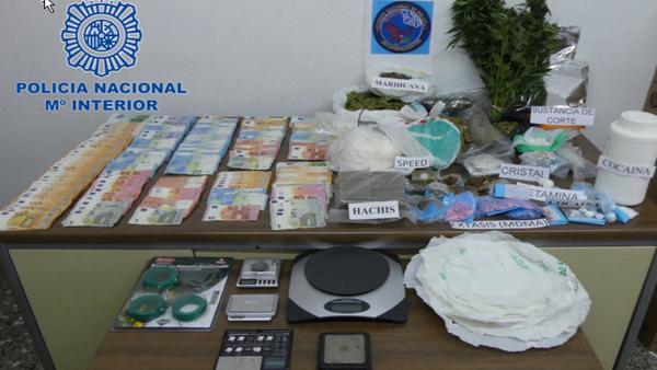 Sucesos.- Desarticulado en Menorca un grupo criminal dedicado al tráfico de drogaS